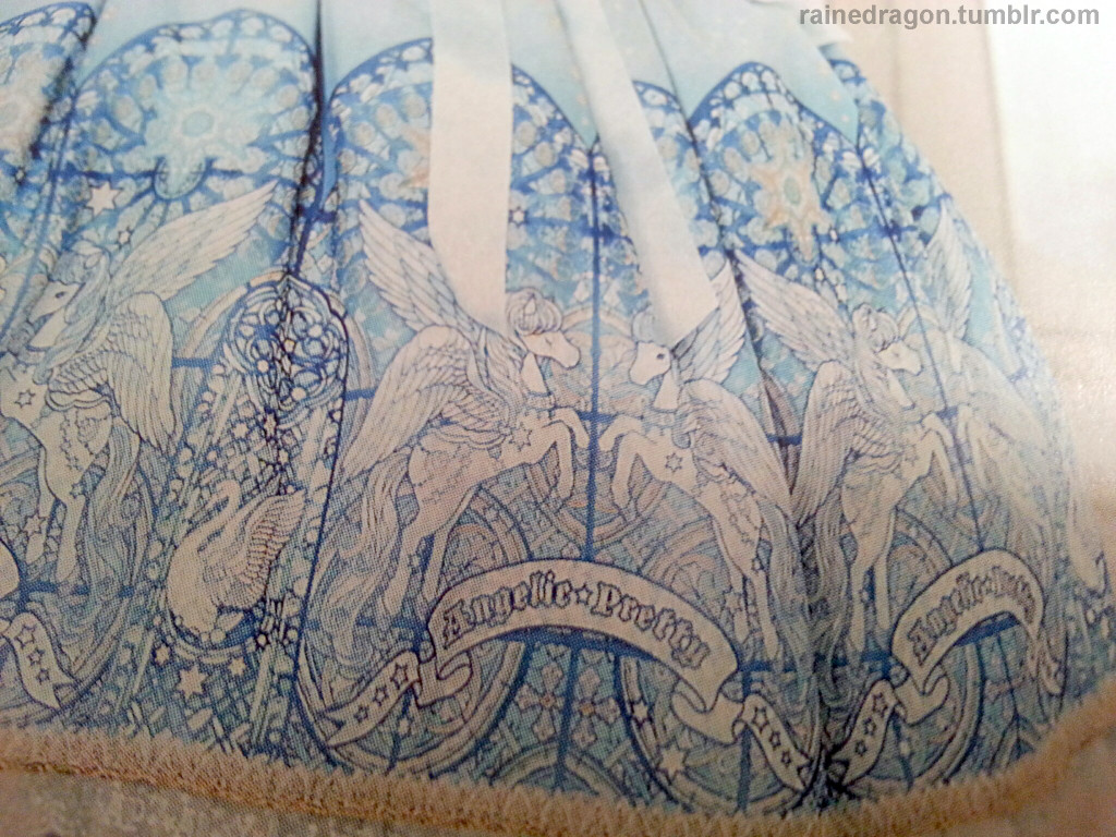 Angelic Pretty Luminous Sanctuary print Close Up Sample